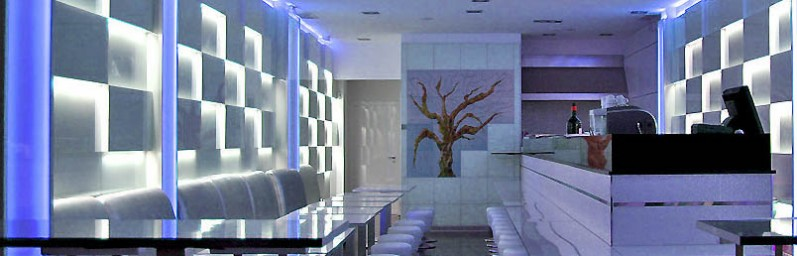 Decoraci n de paredes para restaurante de sushi puerto ban s con serastone - Paneles de decoracion para paredes ...